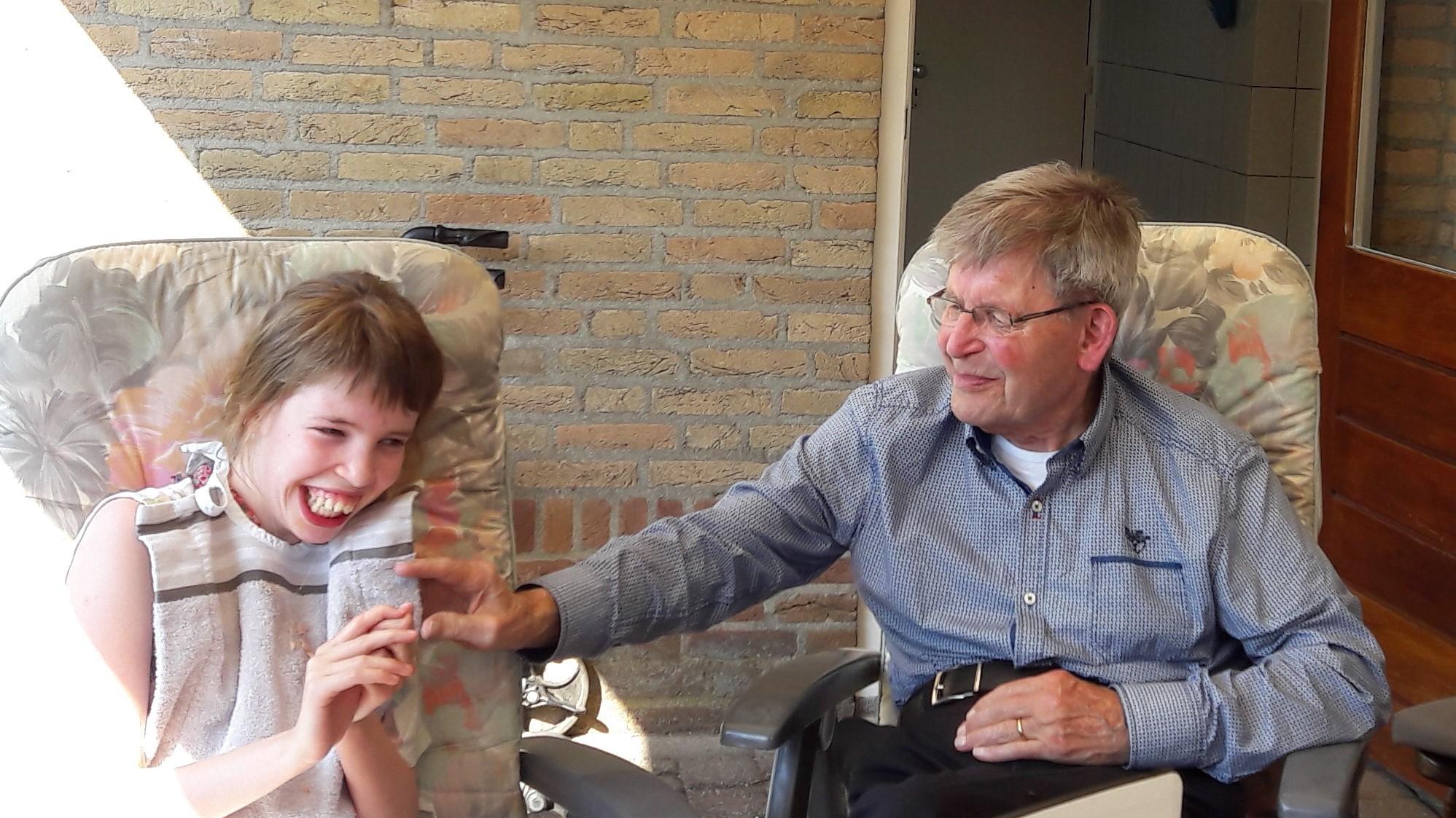 We Mochten Een Donatie Ontvangen Van EUR 300,- Van De Familie Braks. Op 27 Juni Jl. Is De Opa Van Floor Overleden.
